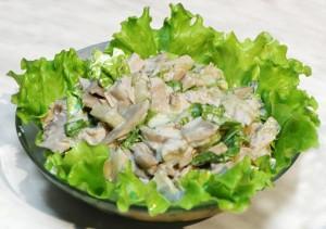 Готовим салат из курицы с грибами