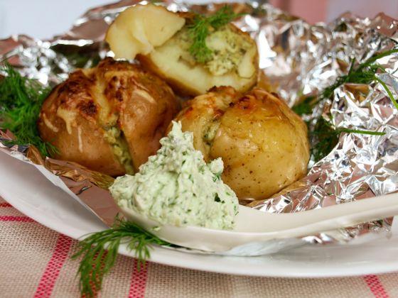 Рецепт картошки с сыром в фольге в духовке рецепт