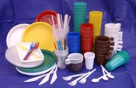 Использование одноразовой посуды и пластиковых контейнеров
