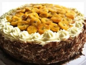 Простой и вкусный банановый торт без выпечки