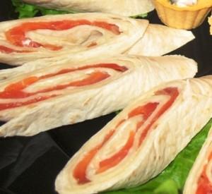 Роллы из  блинчиков со сливочным сыром и с семгой