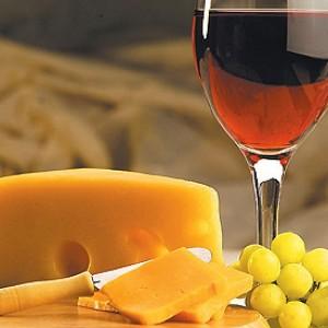 Сыр и вино - прекрасная вкусовая гамма