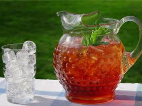 Какие напитки не могут спасти вас от жары