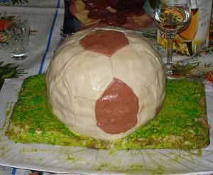 Готовим футбольный мяч