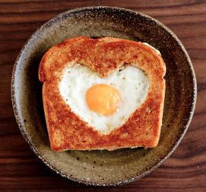 Готовим тосты с яйцами