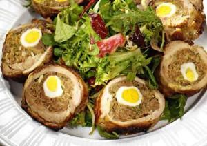 «Праздничный» мясной рулет с грибами