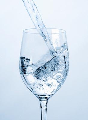 Почему нельзя пить дистиллированную воду