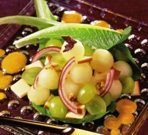 Виноградно-дынный салат