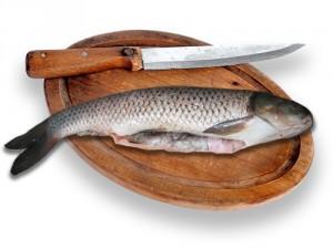 Как удалить чешую с рыбы