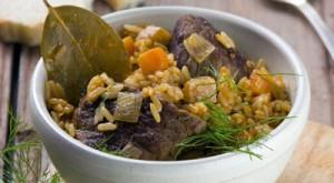 Как потушить мясо косули с рисм