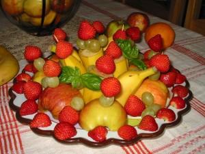 Как красиво подать фрукты?