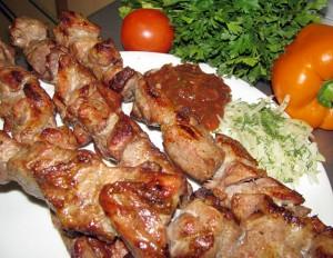 Приготовление шашлыка из свинины в домашних условиях